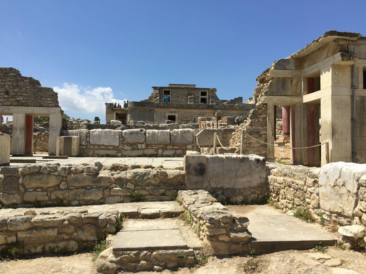 Knossos-reconstructed.jpg