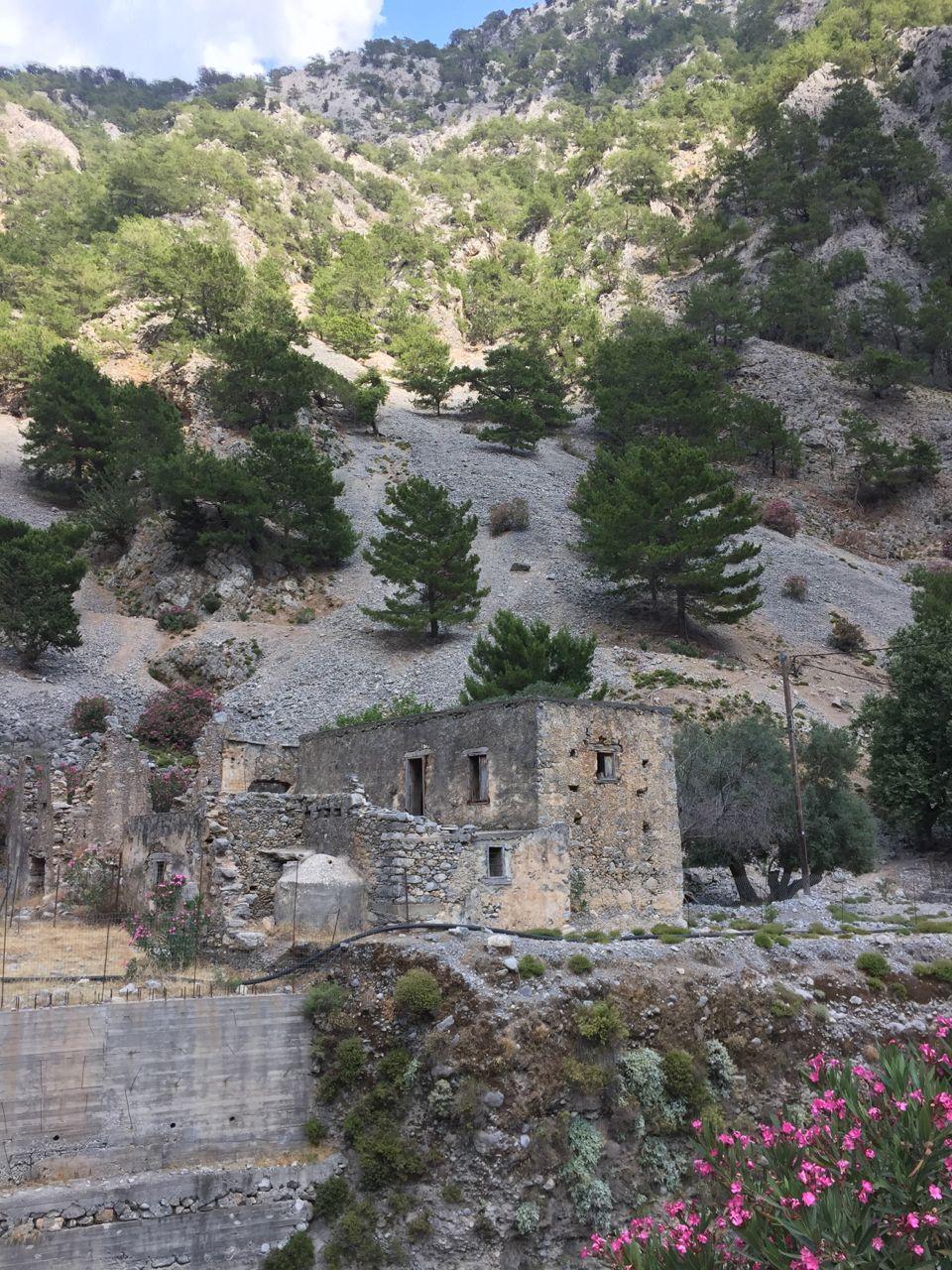samaria-gorge-ruins.jpg
