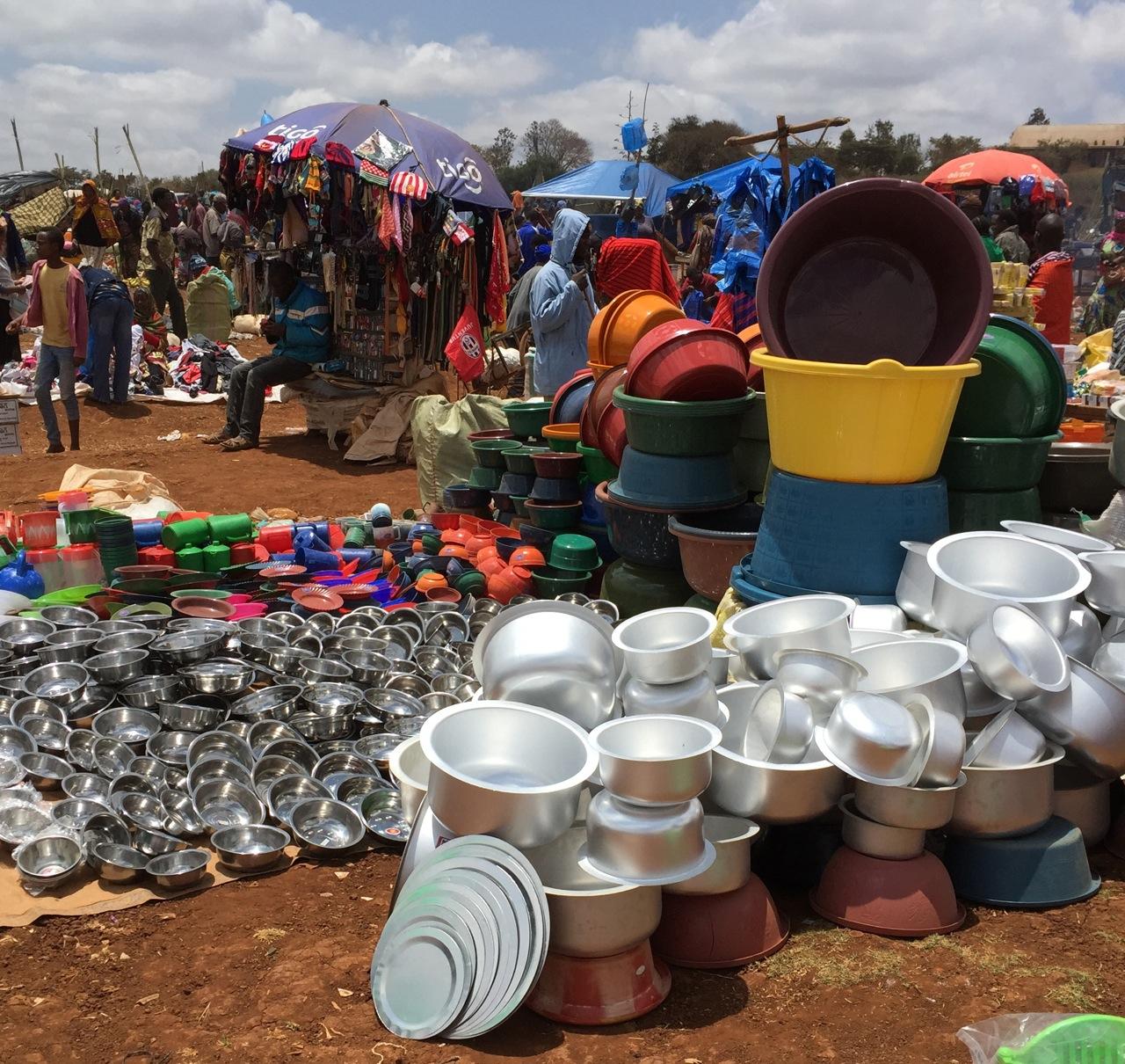 Market scene in the city of Arusha, Tanzania