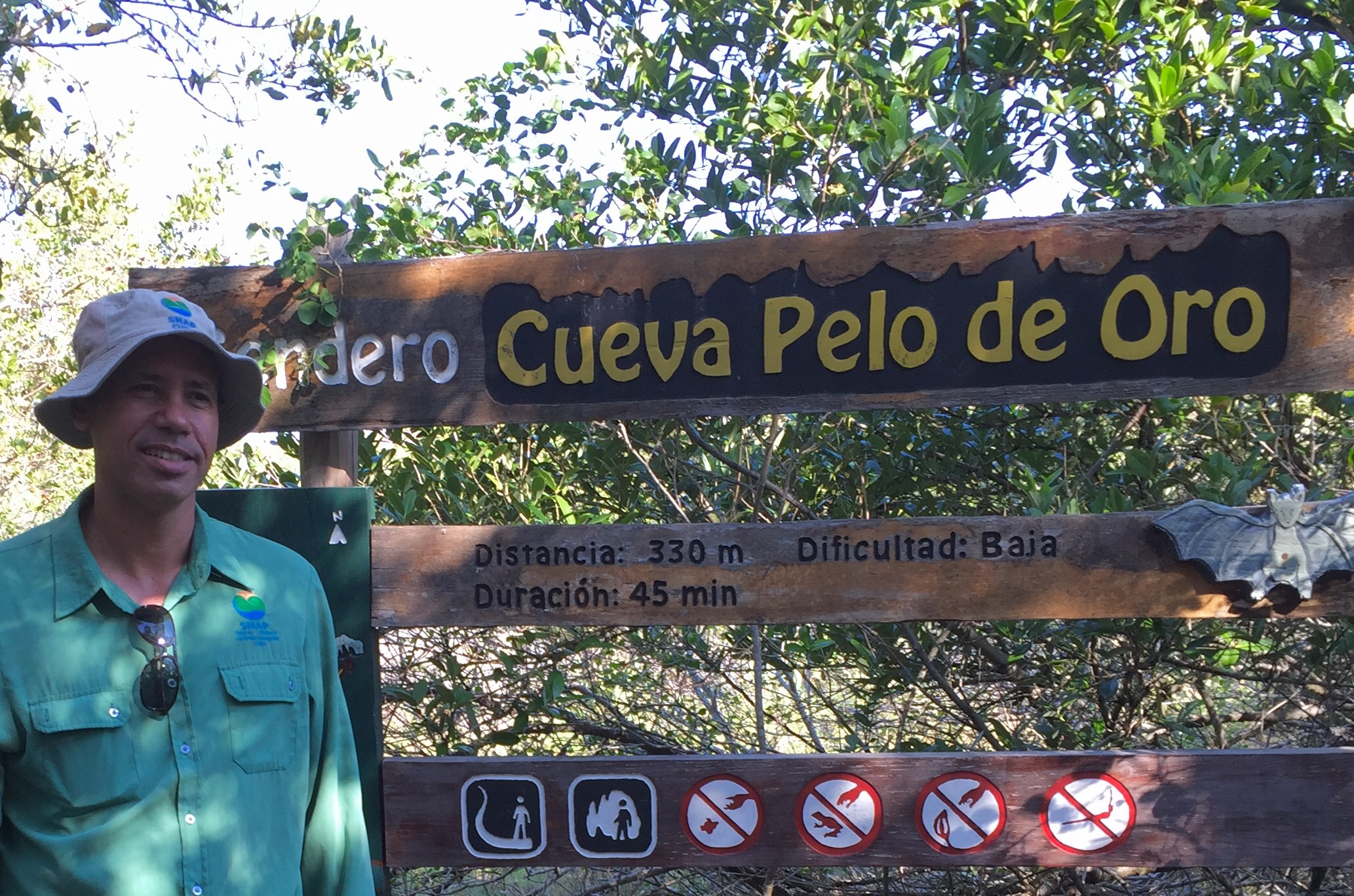 Edwin Ruiz Rojas, an ornithologist, works for the Cuban government agency that protects natural areas (photo by Betsy Herbert, 2017)