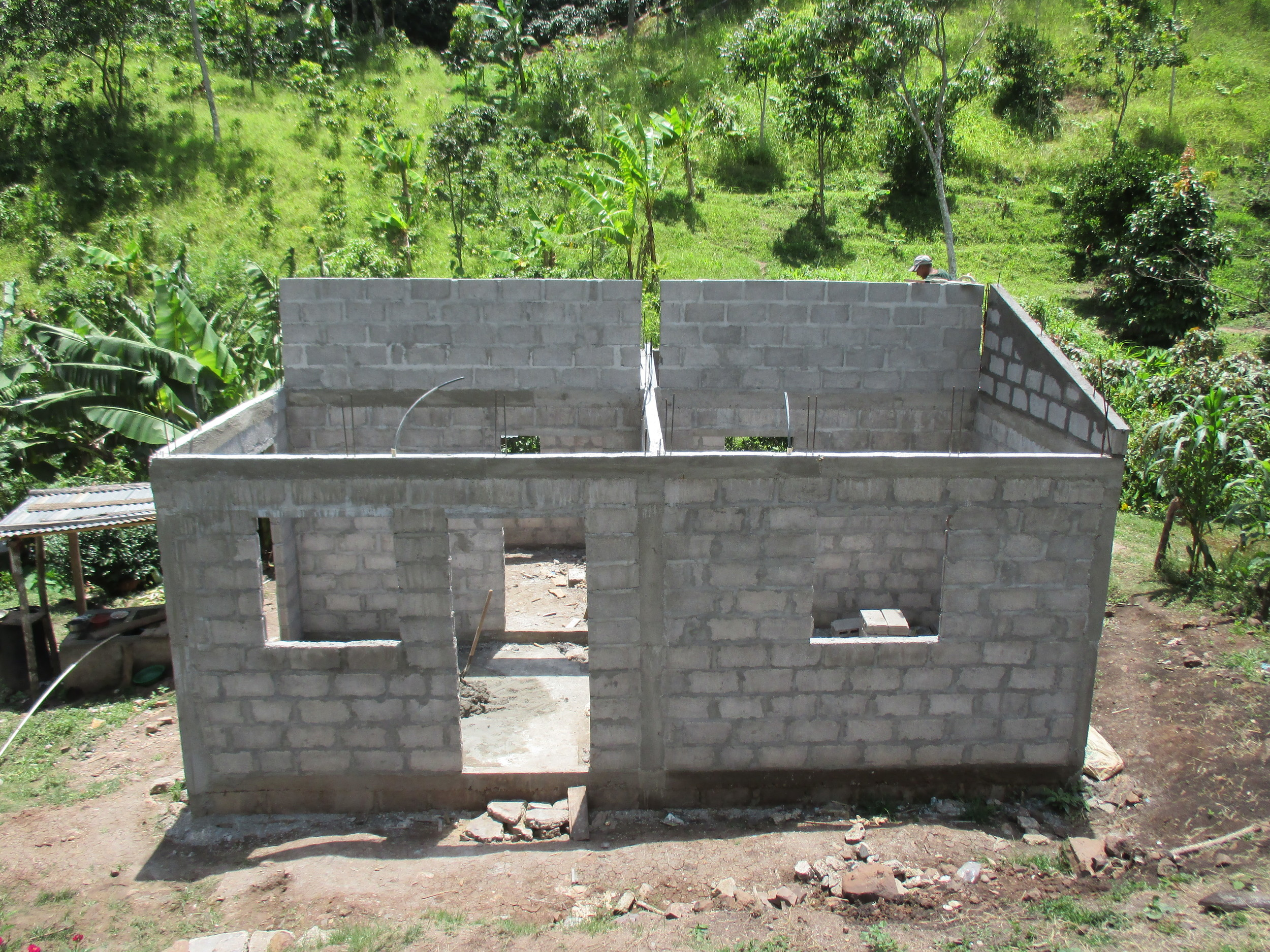 New house under construction - photo by Franklin Paz