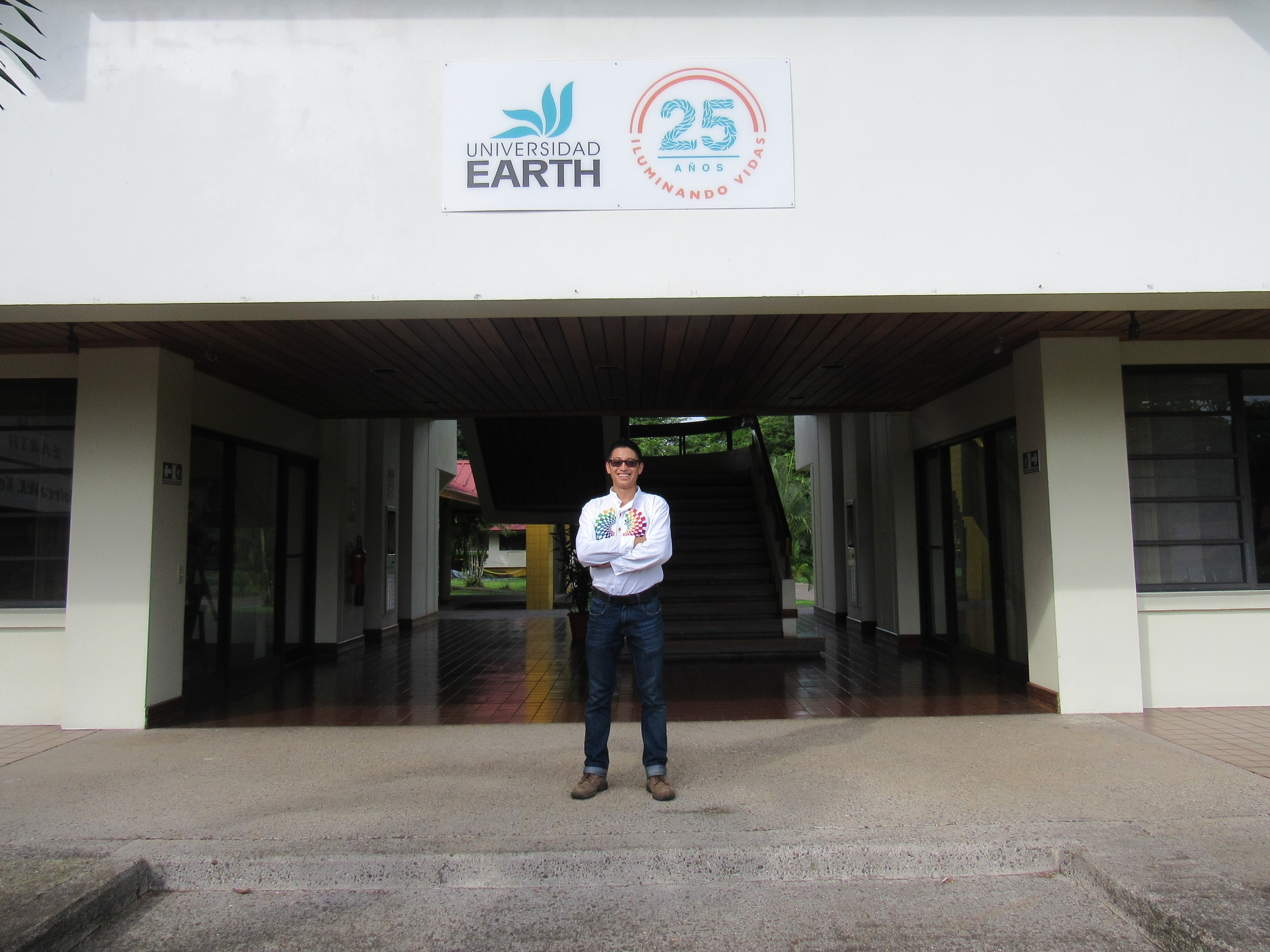 Alexis outside the library at EARTH University - photo by Ricardo Romero