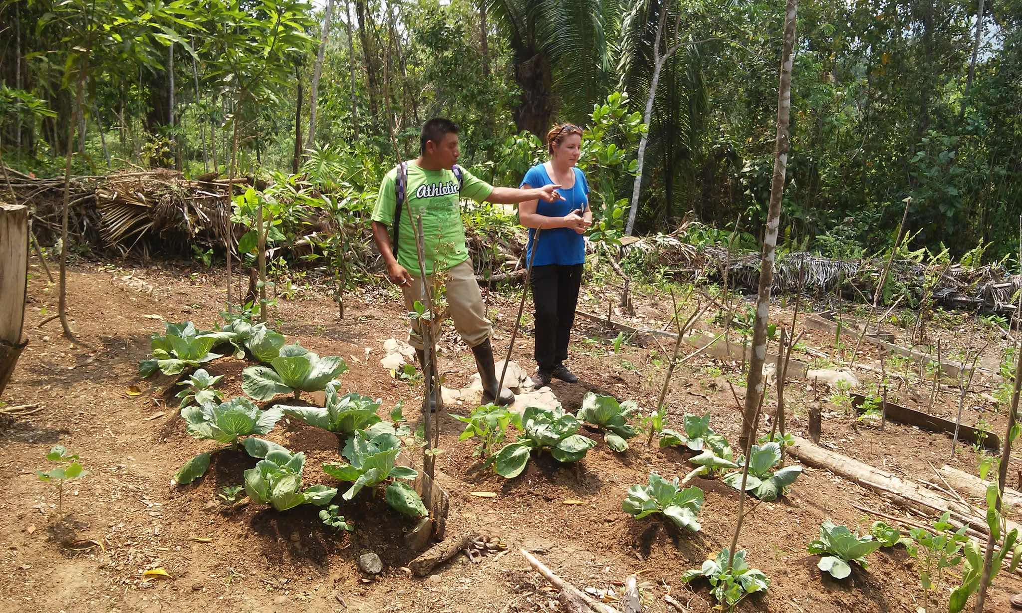Field Trainer Julian Pop and Executive Director Renée Johnson in Otoxha - photo by Rodrigo E. Rodríguez