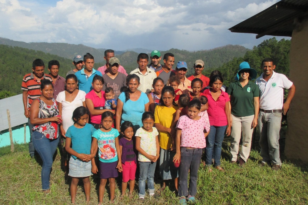 Families in Agua Fría, Honduras, after participating in a workshop on preparing locally-grown foods. - photo by Franklin Paz