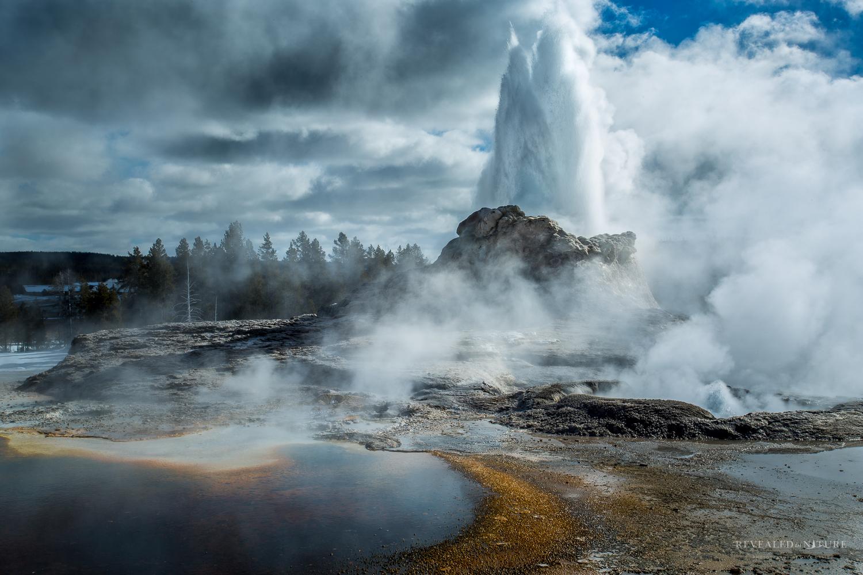 Yellowstone Geyser Photo