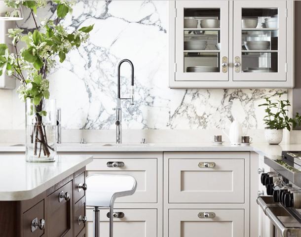 classic_kitchen_marble_slab_backsplash2.png