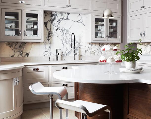 classic_kitchen_marble_slab_backsplash3.png
