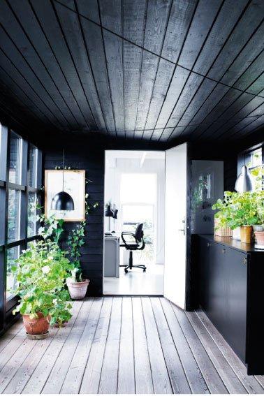 black_exterior_house3.jpg