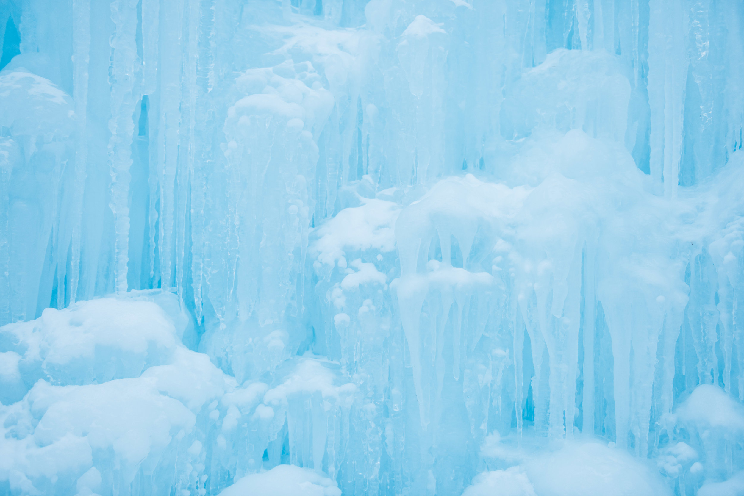 Ice Castles New Hampshire | Boston & New England Adventure Landscape Travel Photography