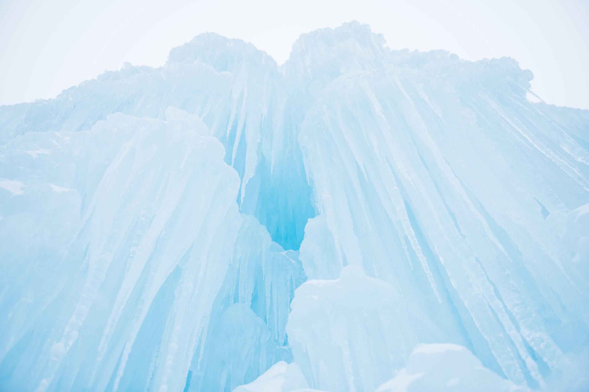 Ice Castles New Hampshire | Boston & New England Adventure Landscape Travel Photography | Lorna Stell Photo