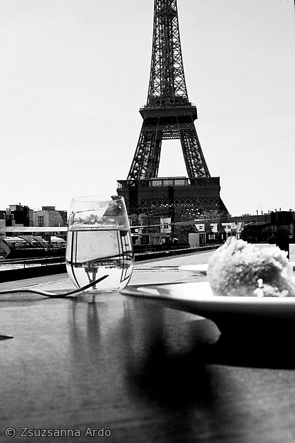_Fork with Eiffel  R.jpeg