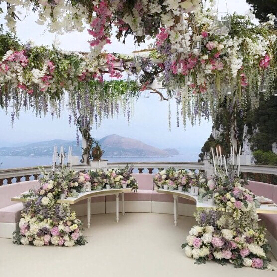 over the top weddingsb4aafb861184274ea8ef1c82cc472cf5716a37d2.jpg