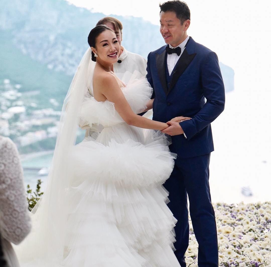 over the top weddingsfashion-blogger-2.jpg