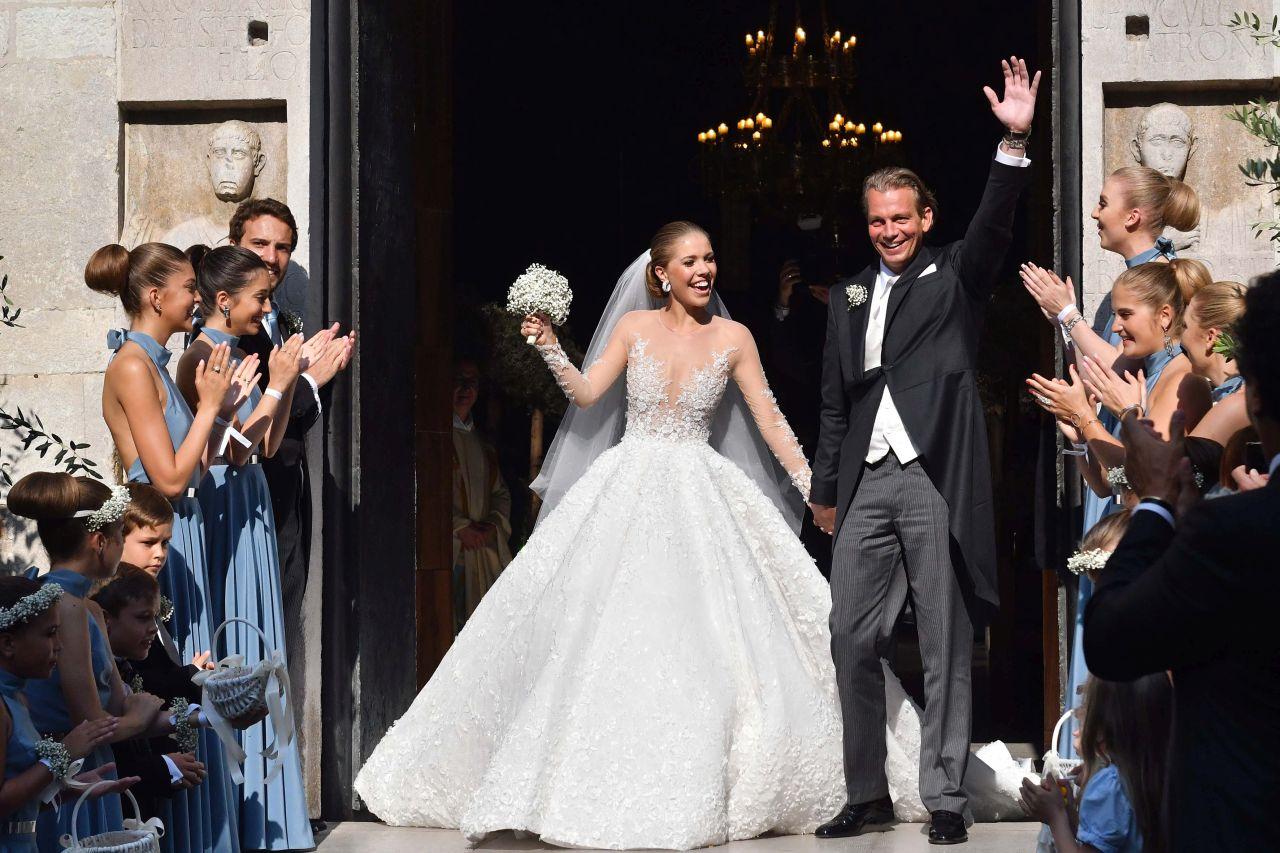 over the top weddings1280_victoria_schwaroski_spl1521549_016.jpg