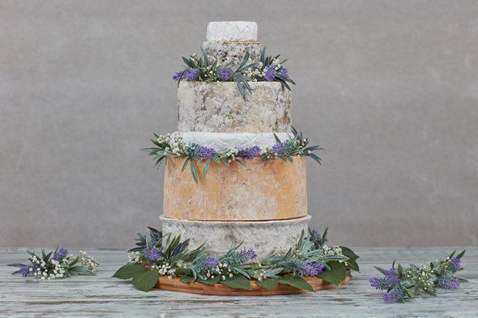 http://yourweddingphotos.co/cheese-wedding-cake.html