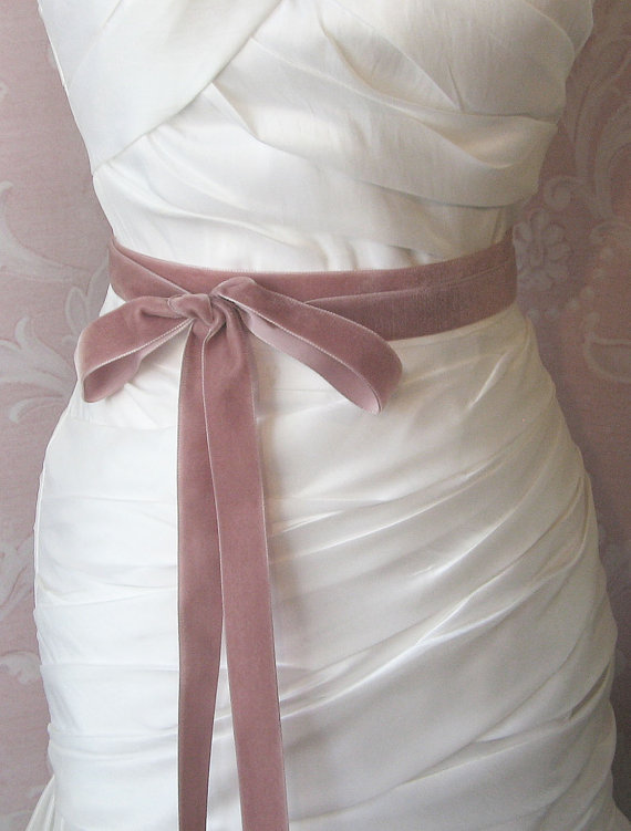 dusty-rose-velvet-ribbon-1inch-wde-mauve-ribbon-sash-dusty-antique-pink-bridal-sash-wedding-belt-3-yards.jpg