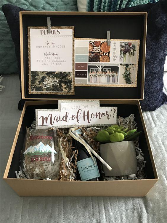 Mountain-Wedding-in-CO-Bridesmaid-proposal-box.jpg