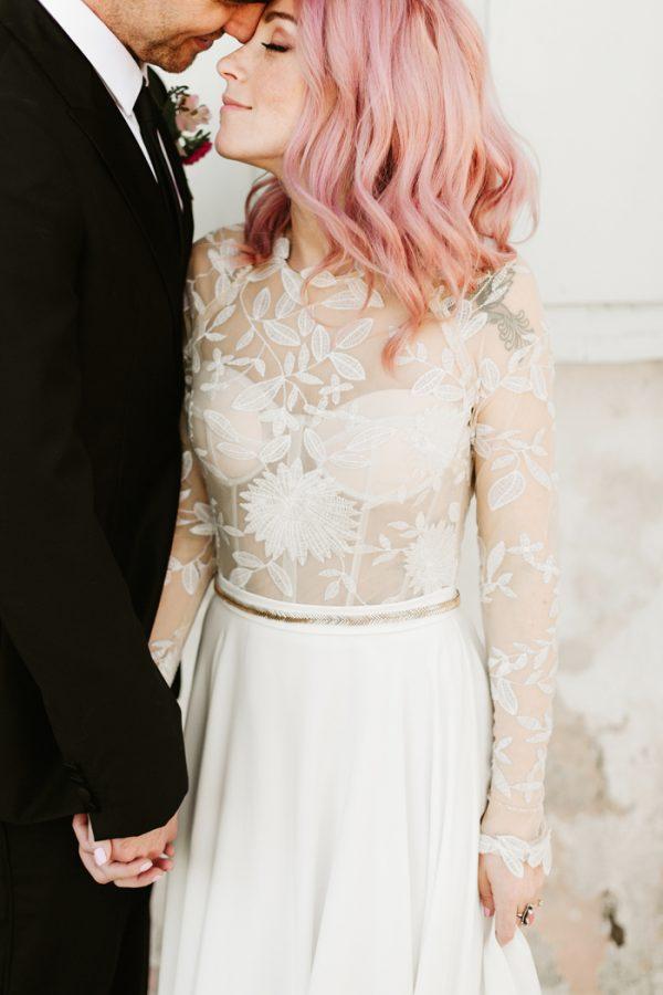 this-race-religious-wedding-takes-fun-and-stylish-to-the-next-level-19-600x900.jpg
