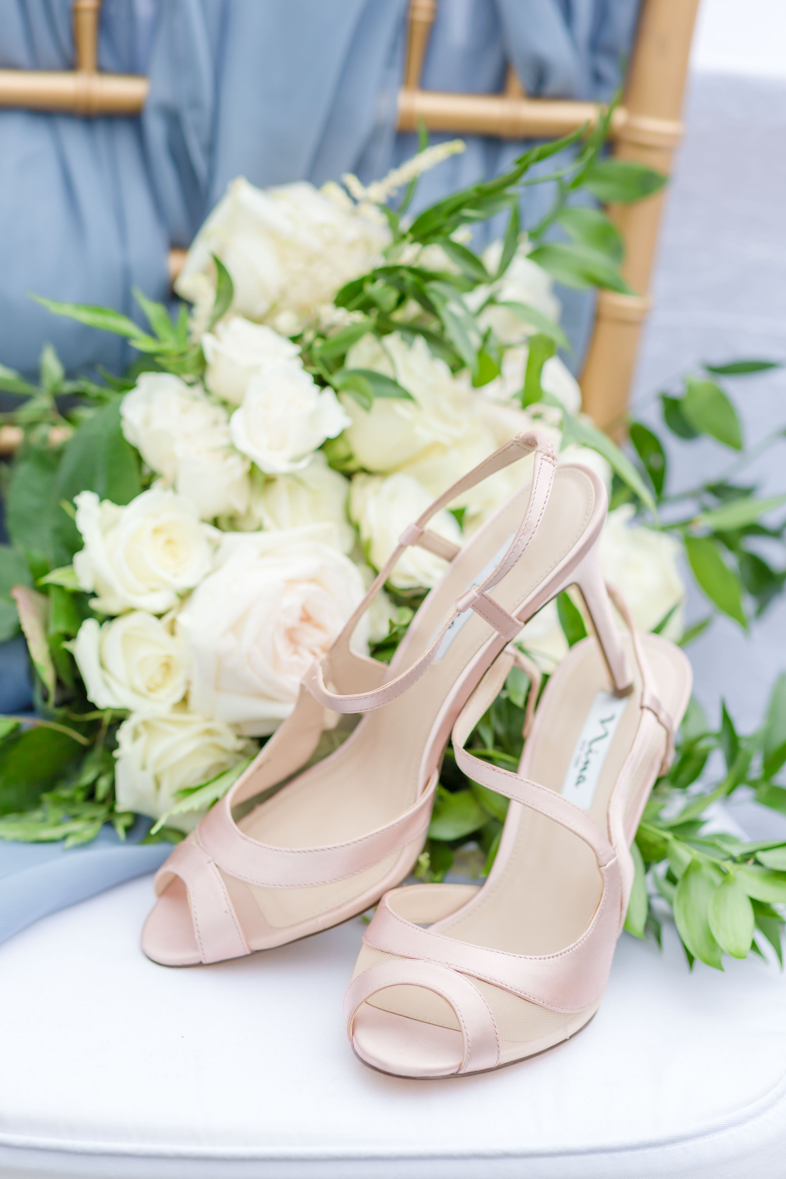 ScarlettExpressions-StyledShoot-Shoes_Bouquet-21.jpg