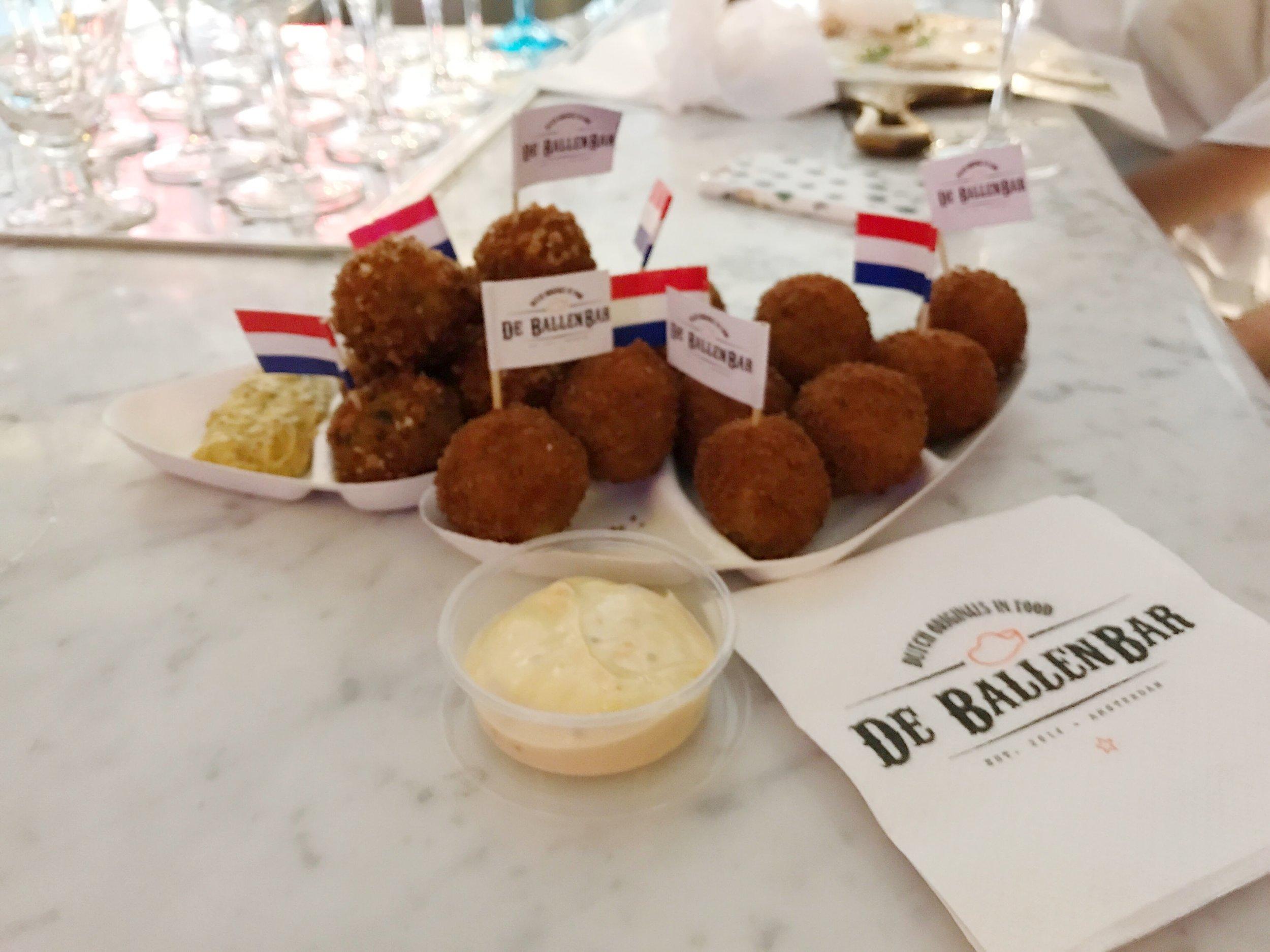 De Ballen Bar Amsterdam Bitterballen