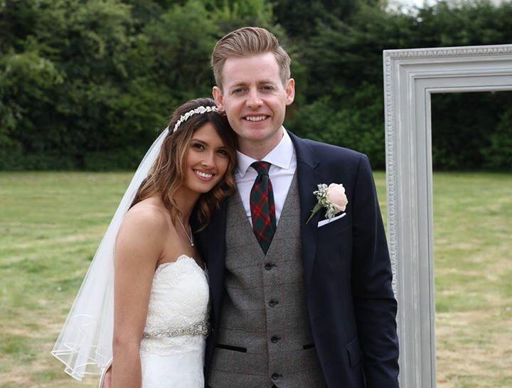 Claire and Jamie wedding