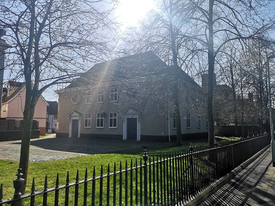 The Ipswich Unitarian Meeting House in the morning.