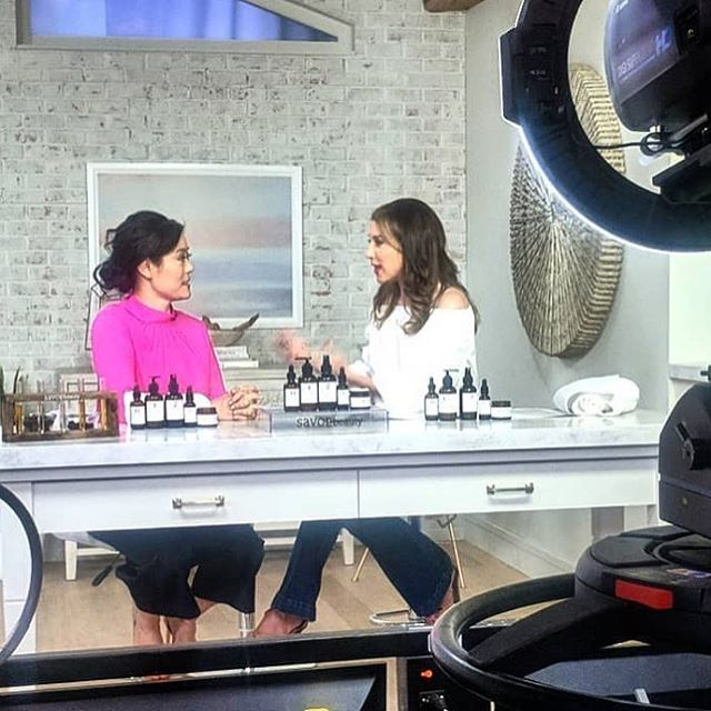 Super excited and savoring the moment to be on @qvc and @beautyiq again tonight at 9pm with @courtneycasonqvc and 11pm with @eliseivyqvc. Taking off my makeup LIVE on air—join me! Link in bio. Xo 💕💕#savorbeauty #koreanbeauty #loveqvc #mulgwanginaminute #beautyiq #glow #ladniergroup #makeupoptional #gorgeousskin