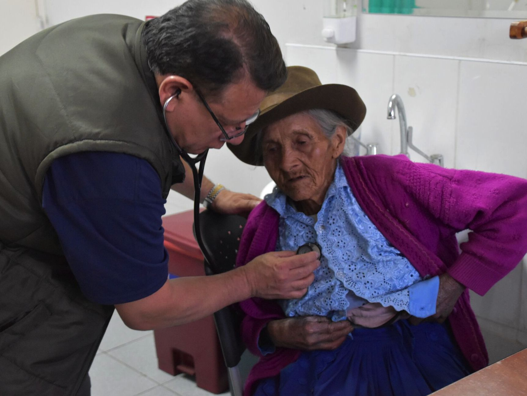 After discovering surprisingly high prevalence of type 2 diabetes through a several year screening program, the Ayacucho Mission now supports a collaborative, year-round diabetes program run by a local registered nurse with support of Ayacucho physicians. The Mission provides medications, testing supplies and provider education to support the program which serves dozens of diabetes patients throughout the entire year.