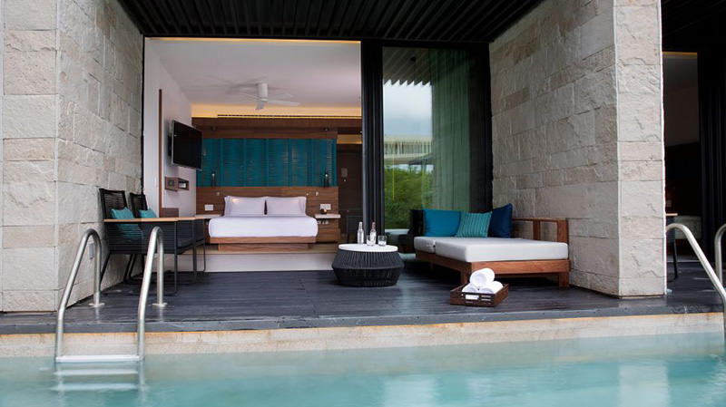 Amazing swim up rooms that we absolutely did not stay in but did walk over to gawk at. Image courtesy of  Grand Hyatt Playa Del Carmen