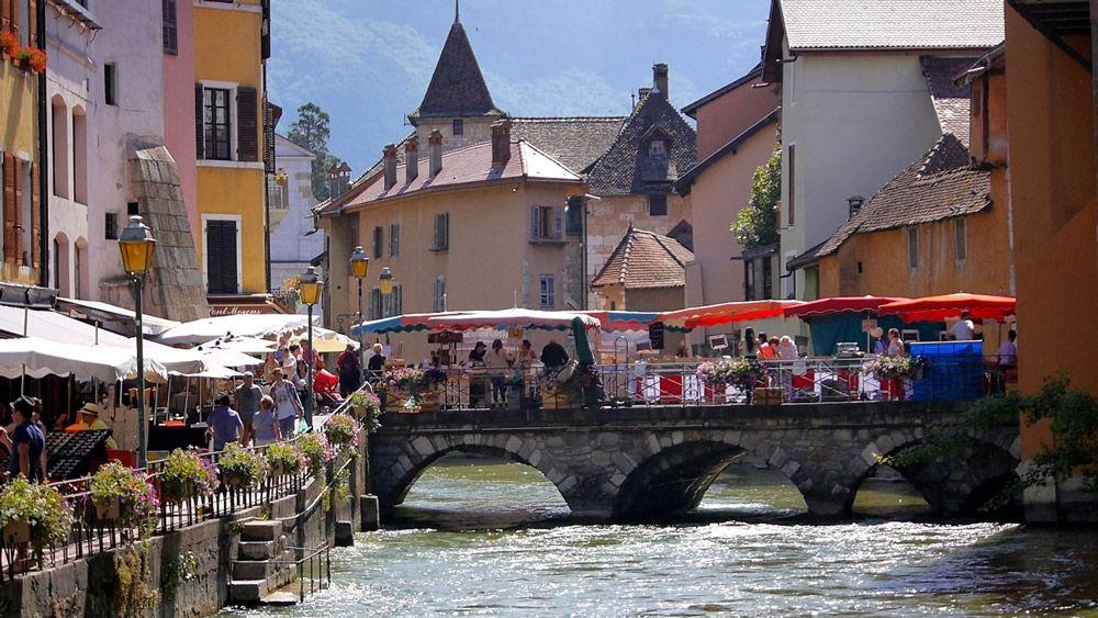 Marché-Annecy-La-Chill-Zone-valeurs-locales