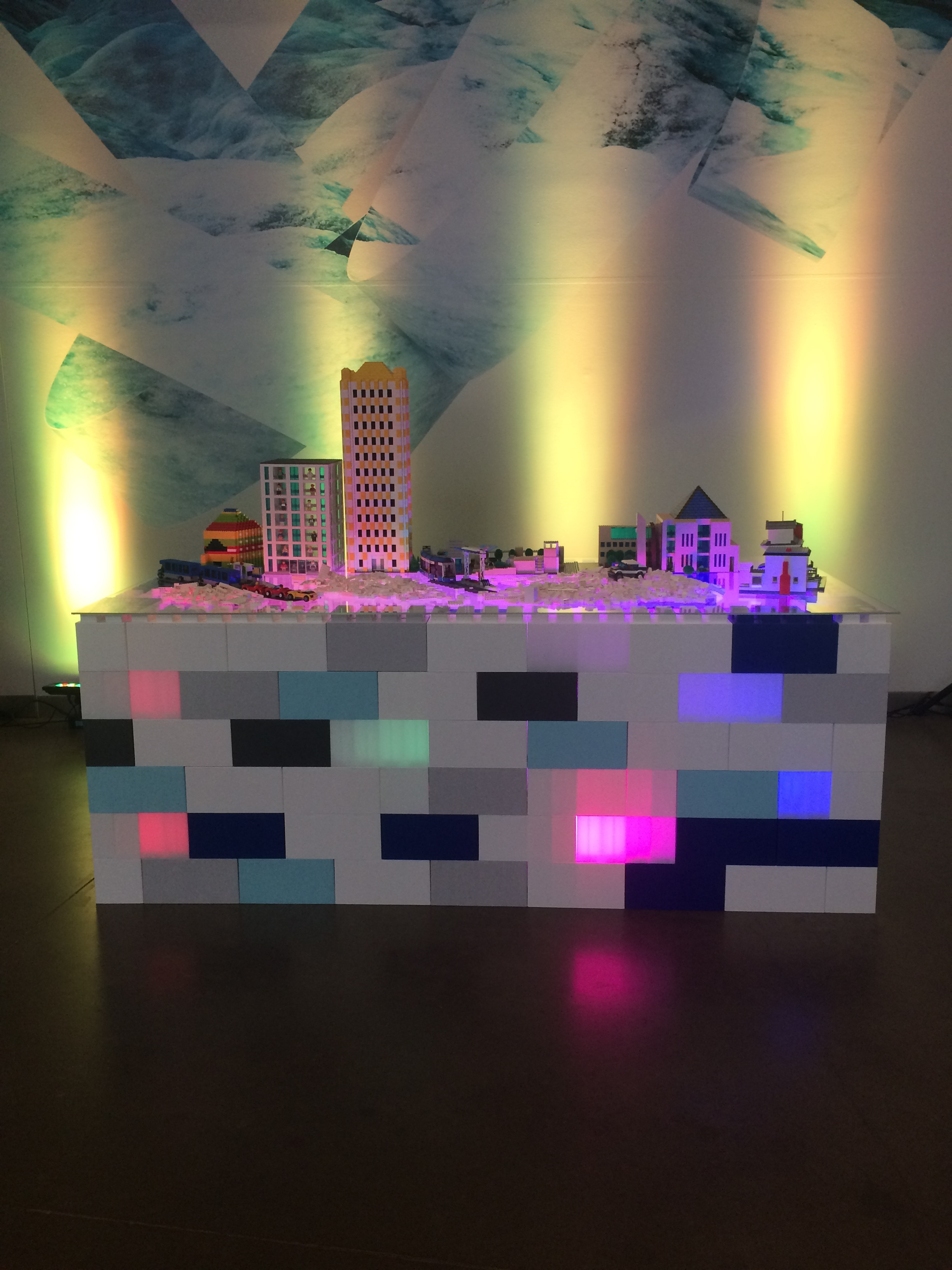 Create spectacular exhibits that can be illuminated with LED lights