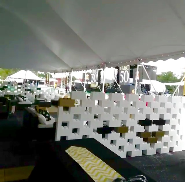 Build attractive dividers to separate areas inside a tent and add a modern aesthetic and look.