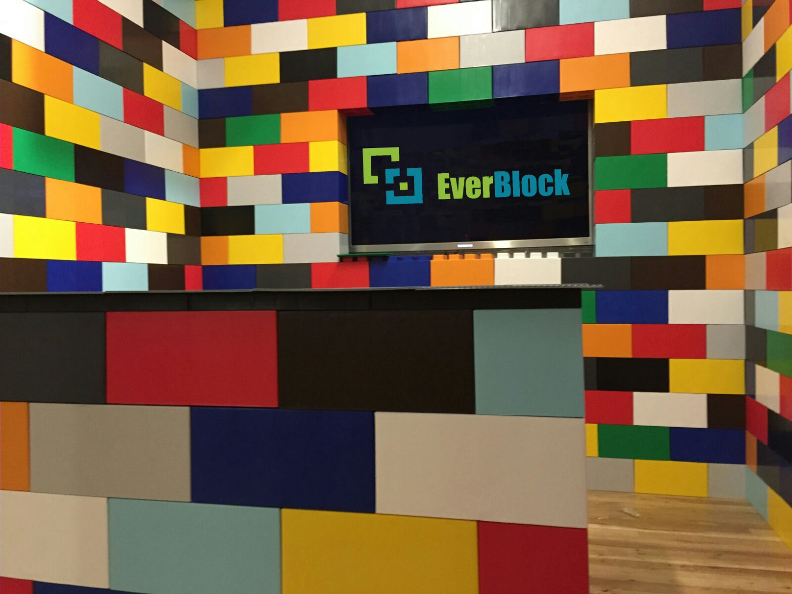 Create colorful custom displays that are modular, easy to reconfigure and attractive