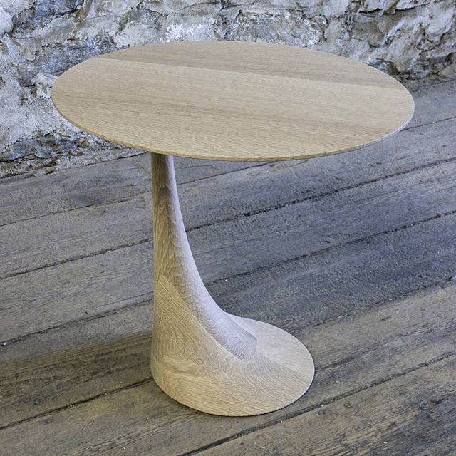 A custom pedestal table in natural white oak. One of my favorite builds.  #finefurniture #customfurniture #furnituredesign #interiordecor #table #sidetable #bespokefurniture #carved #sculptural #whiteoak #riftwhiteoak #naturaloak #madeinnewyork #madeinbrooklyn