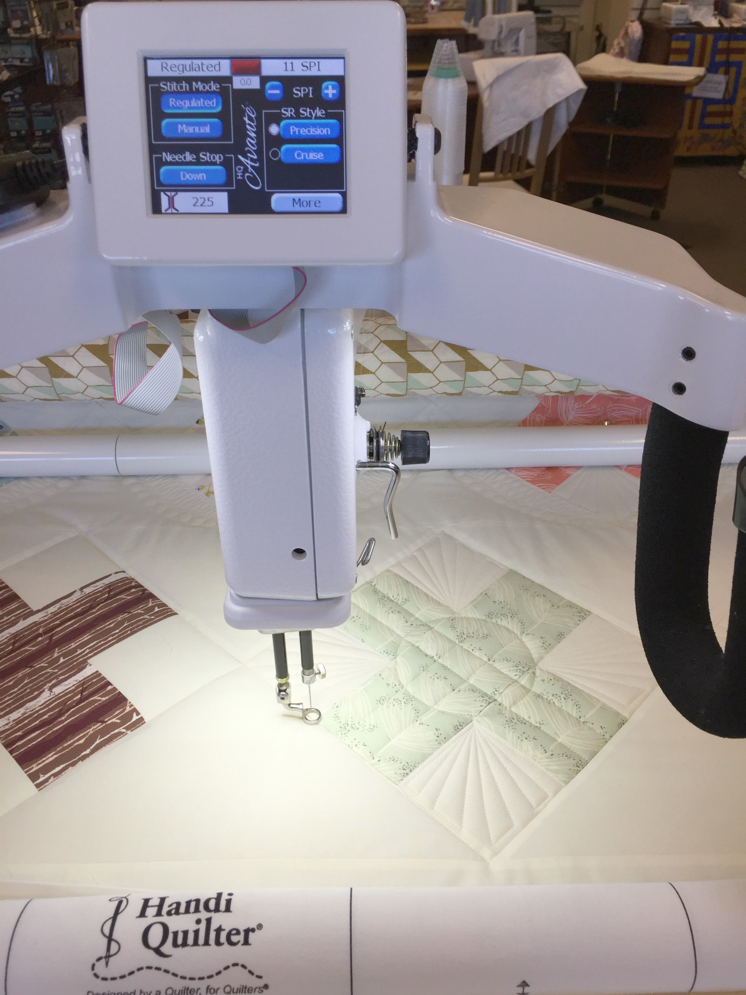 Quilting Forest Floor Path on my Handi Quilter Avante´.