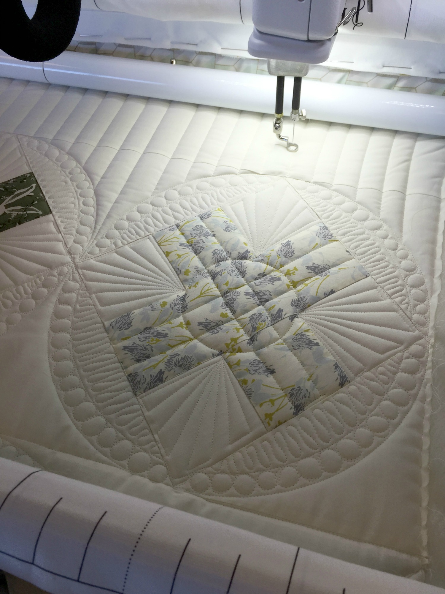 Quilted block at my Handi Quilter Avante´.