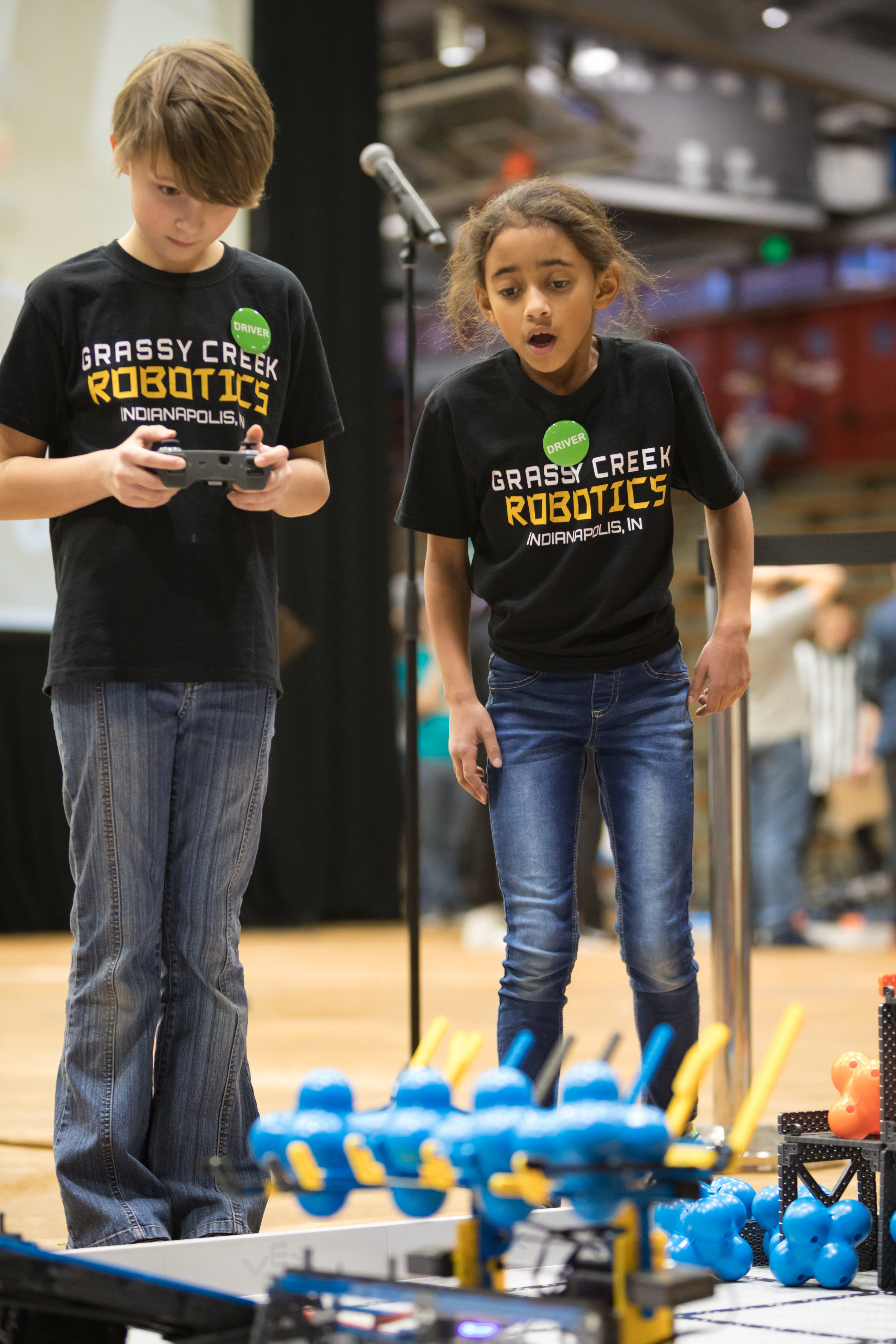 Jala and Natalie driving their robot at IndyVRC. Photo by Ellie Sophia Photography