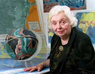 Marie Tharp was an American geologist & oceanographic cartographer who helped create the 1st scientific map of Earth's entire sea floor, revealing the Mid-Atlantic Ridge & changing the way earth scientists thought about the Earth's crust & its movement. (photo: Bruce Gilbert)