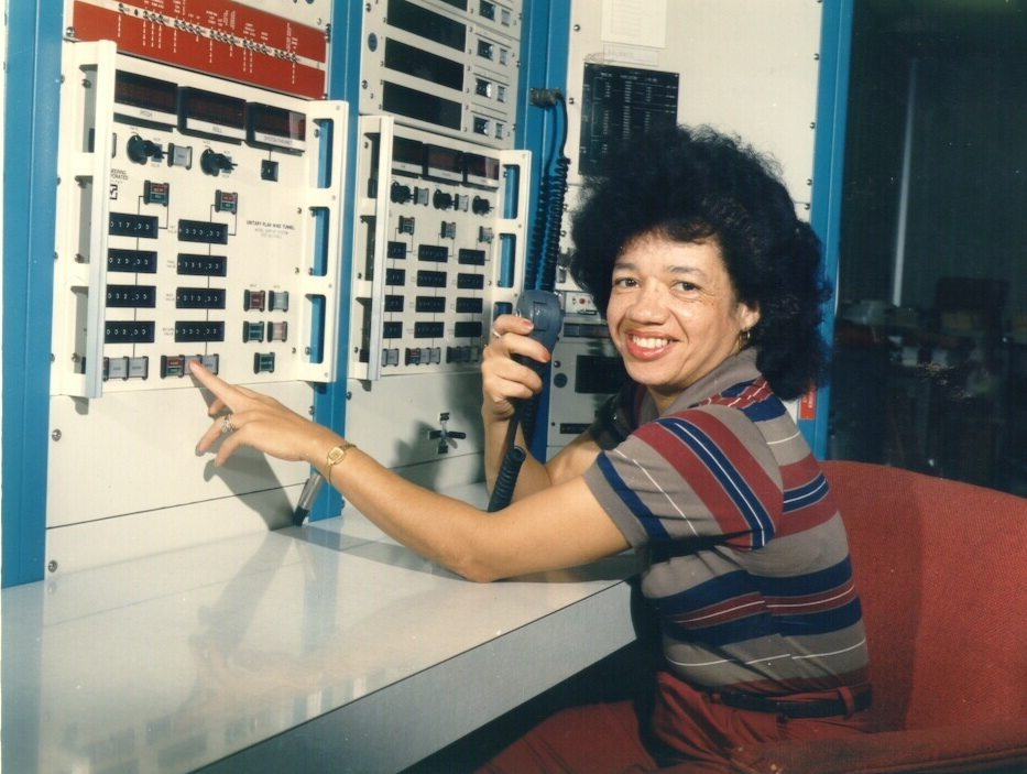Christine Darden is an American mathematician & aeronautical engineer who spent her career at NASA researching supersonic flight & sonic booms. She was the first black woman at NASA's Langley Research Center ‏to be promoted into the top rank in the federal civil service.