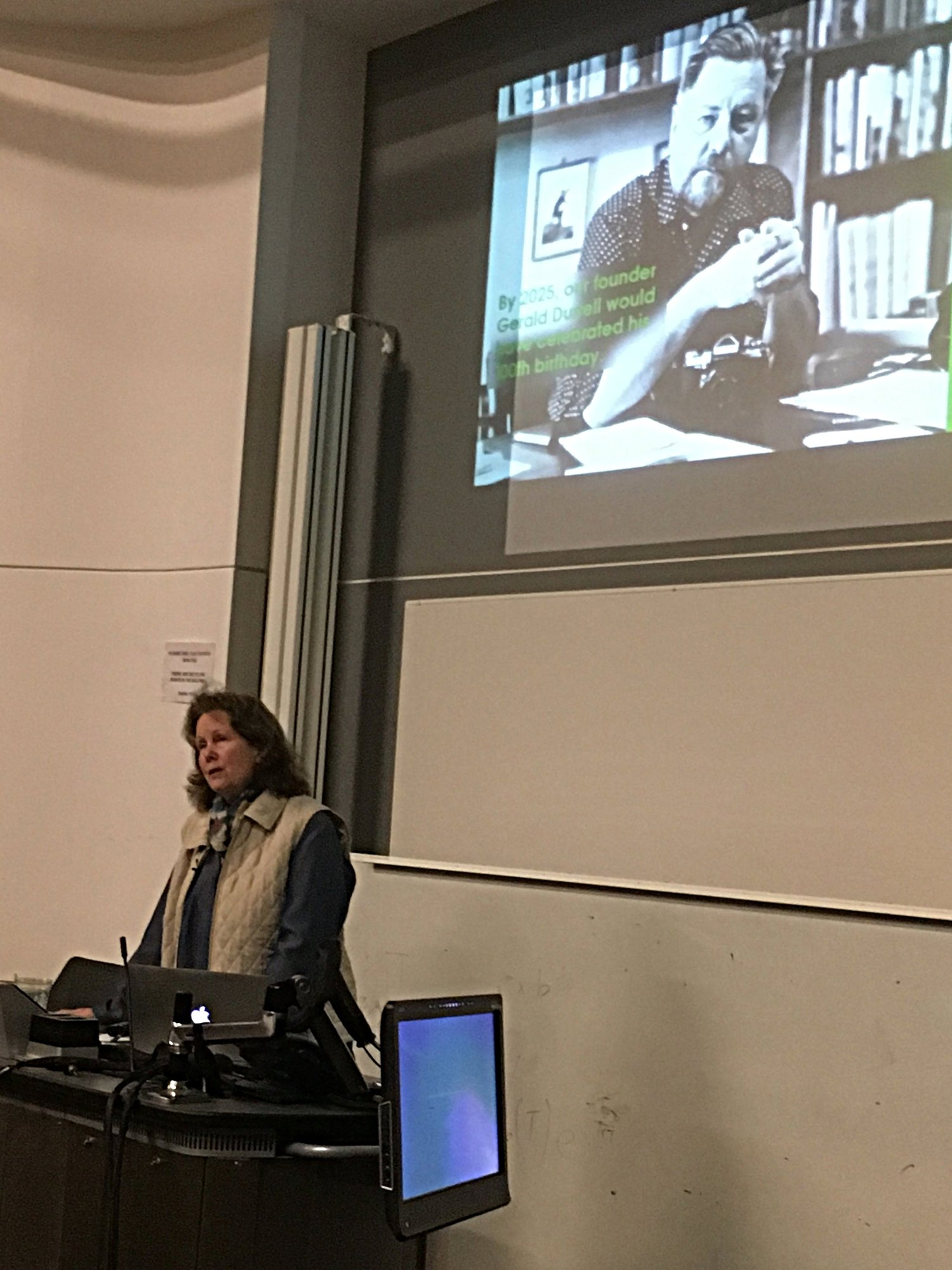 DR LEE DURRELL GIVING A LECTURE AT THE UNIVERSITY OF EXETER ENTITLED 'ISLAND INSPIRED CONSERVATION'