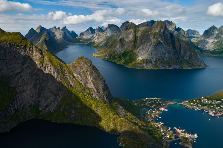 Lofoten Islands_STOCK_SYOG.jpg