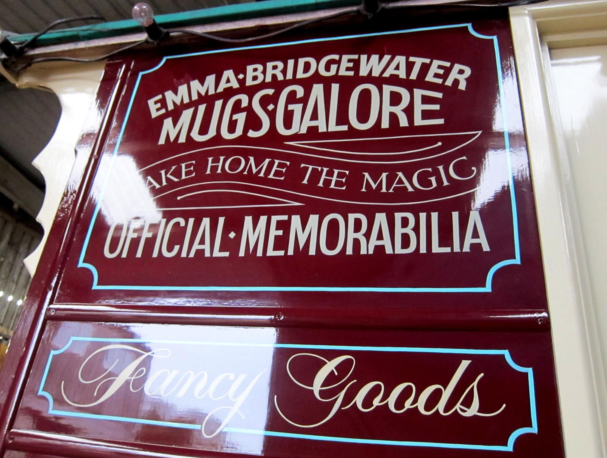 Gifford Circus traditional shop sign.jpg