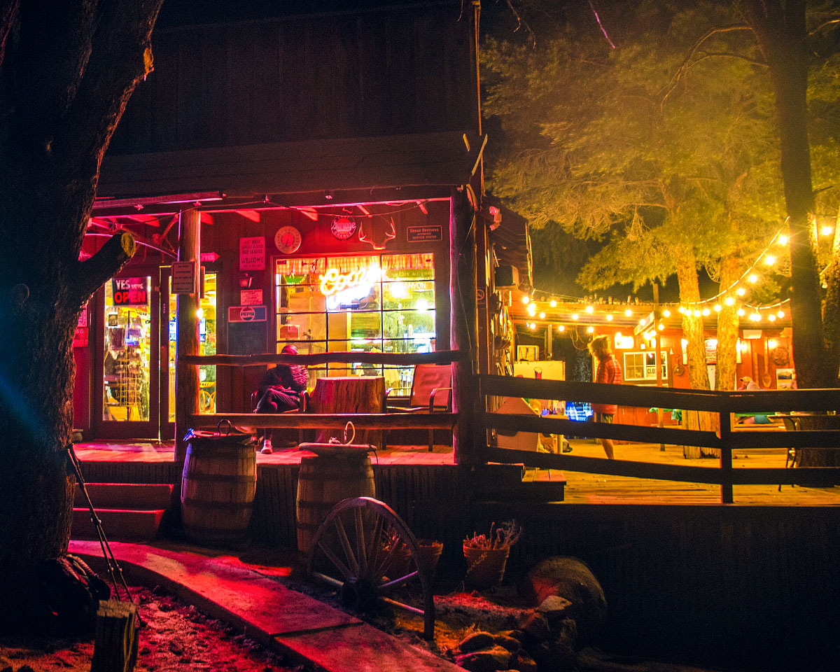 Kennedy Meadows General Store by night.