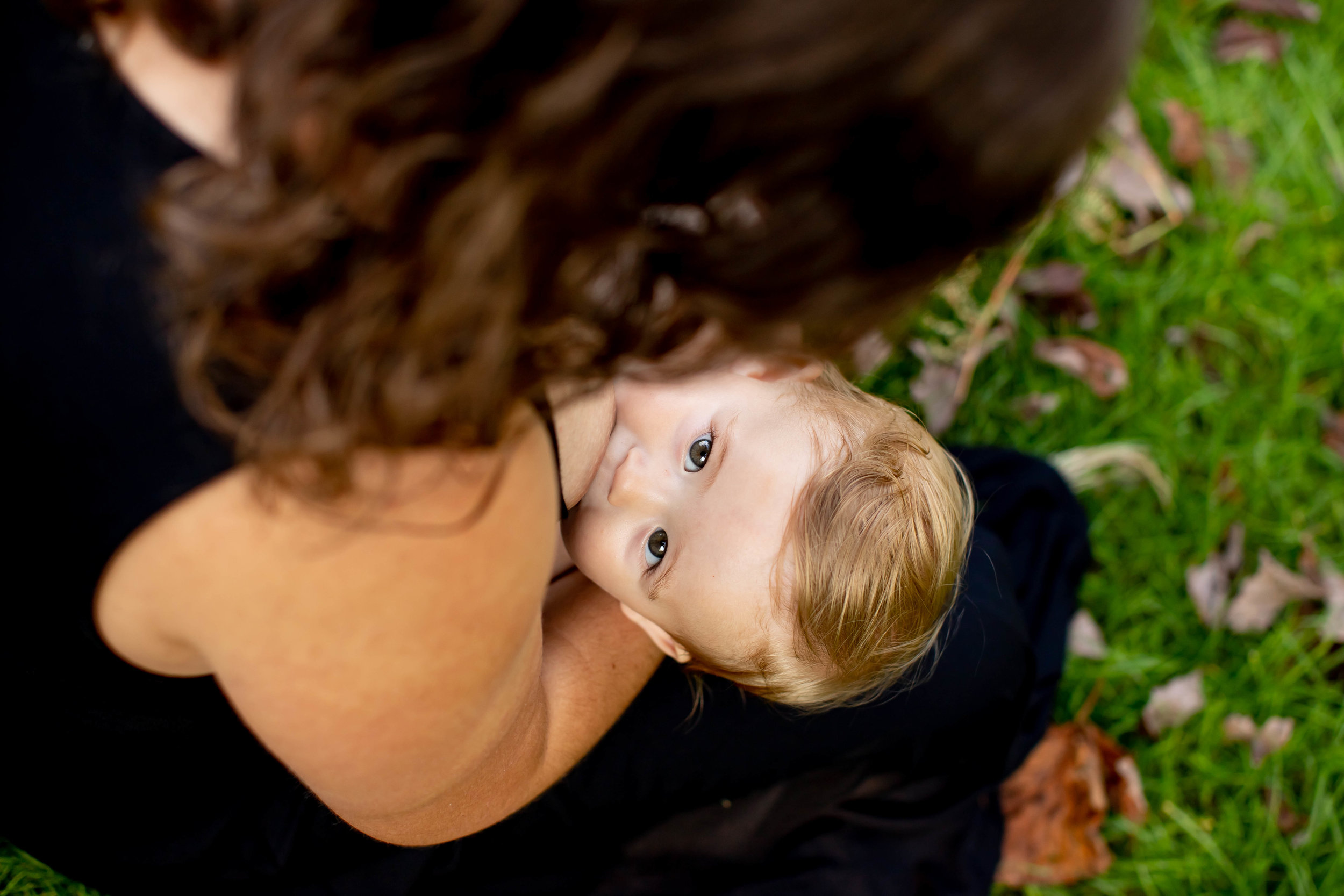 Amber Breastfeeding Mini Session 2018-7740.jpg