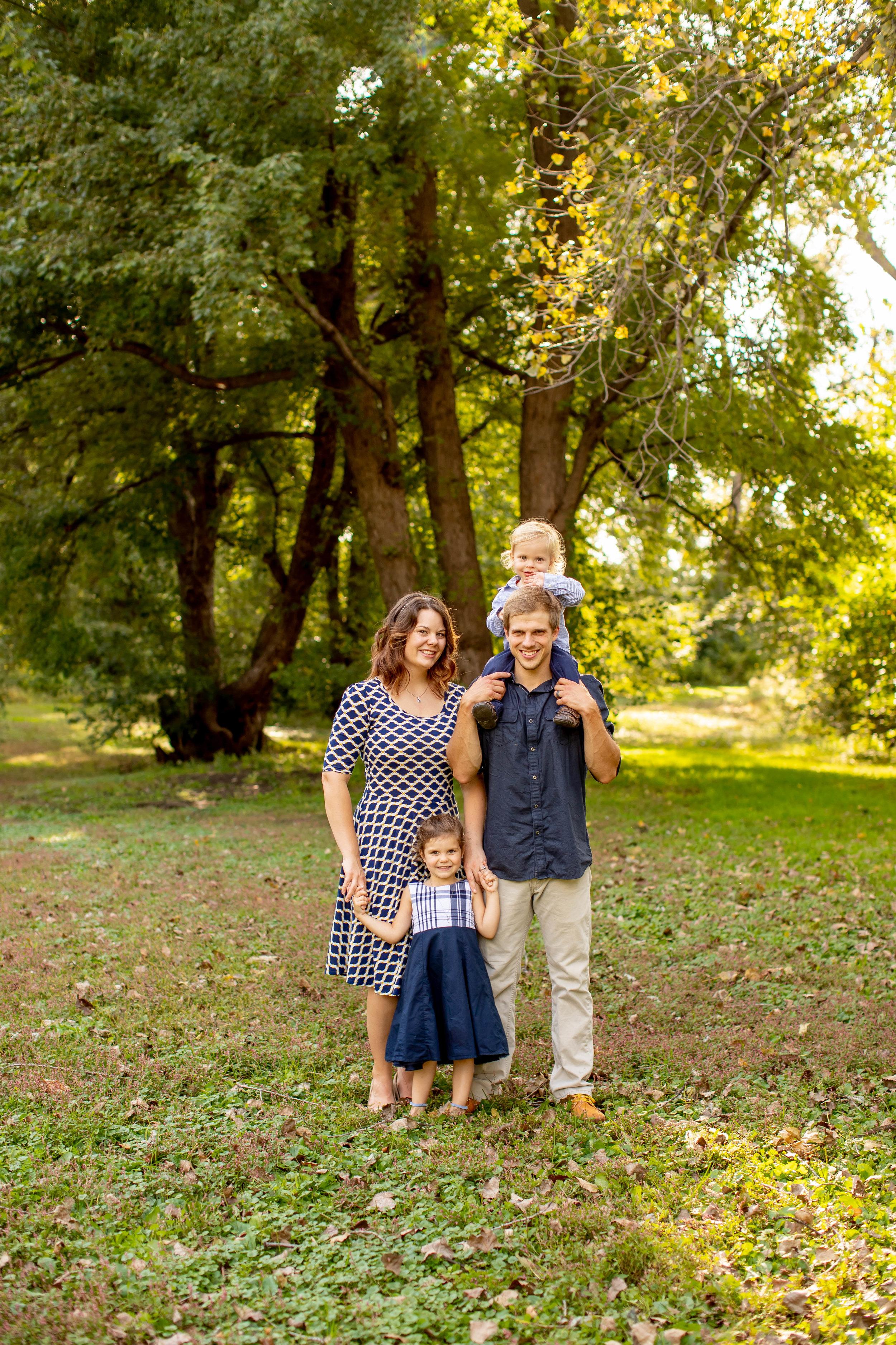 Wallace Family 2018-8450.jpg