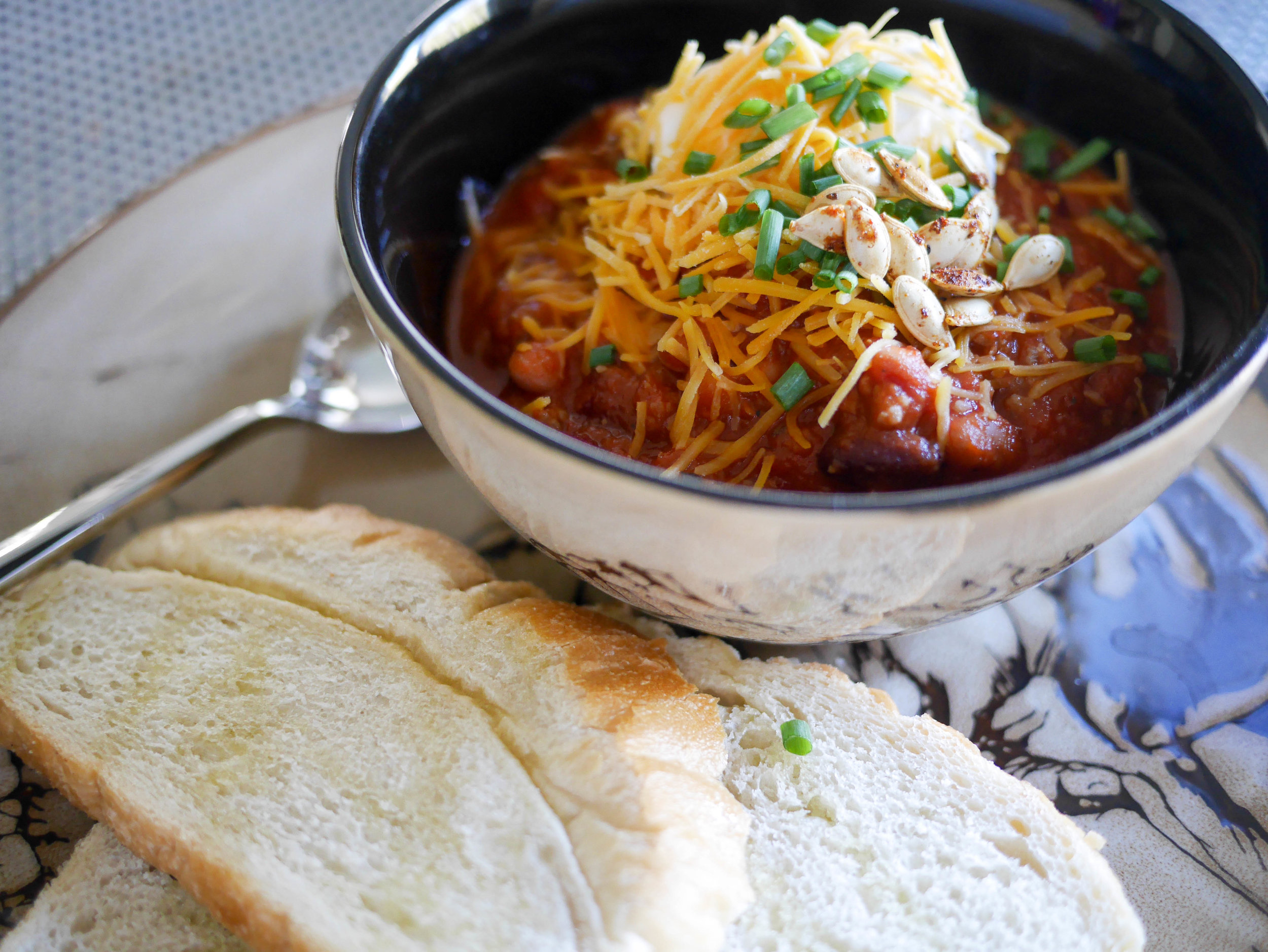 Make a large batch of this classic chili to enjoy leftovers throughout the week. Savor a warm home-cooked meal with none of the work.