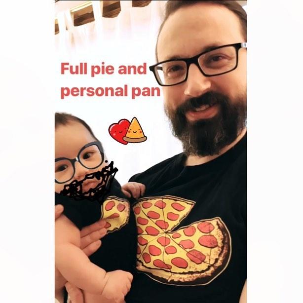 Paparoni and his piccoli slice.  #🧔🏻👶🏻❣️
