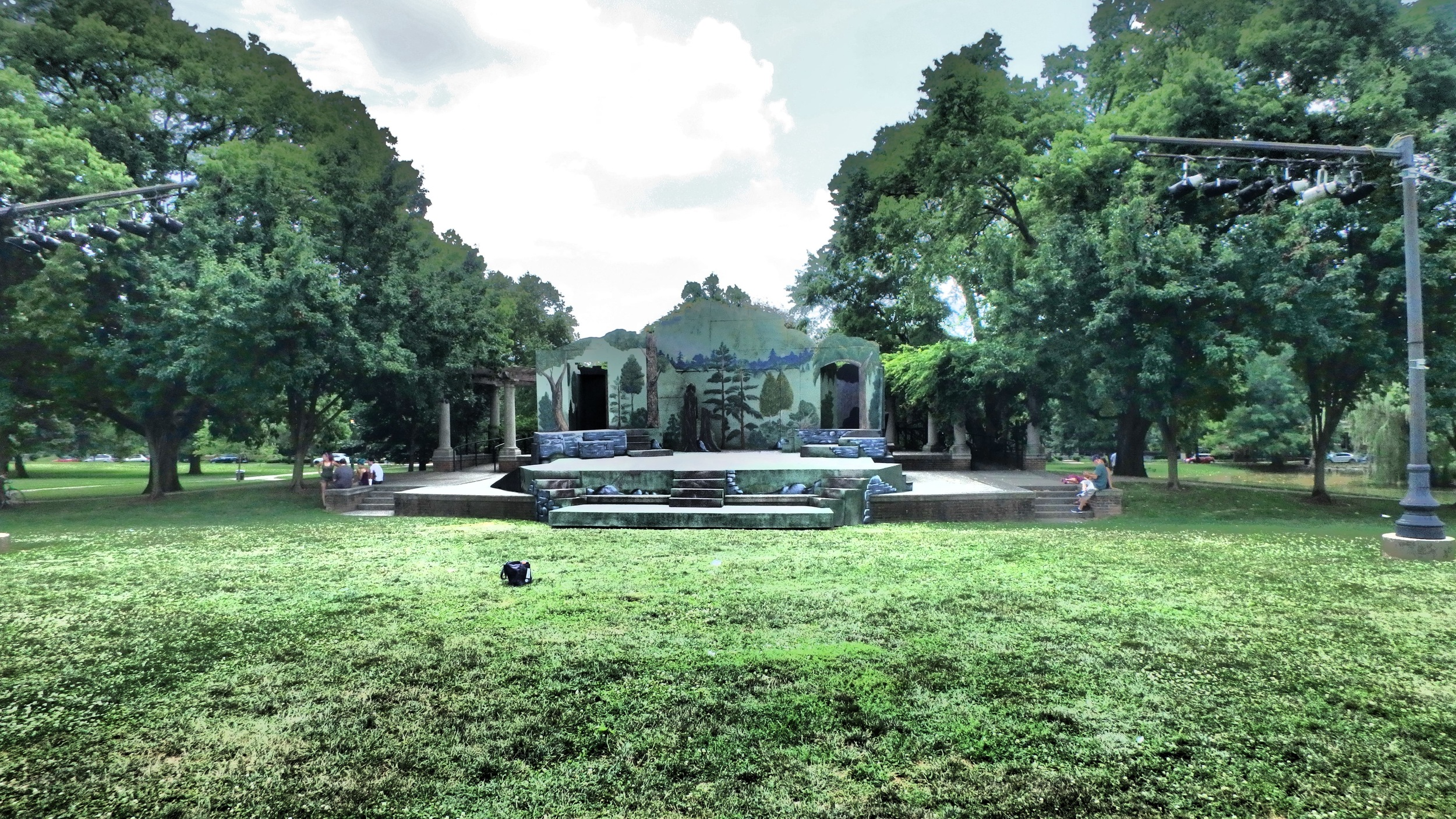 Schiller Park (German Village), Amphitheatre Stage