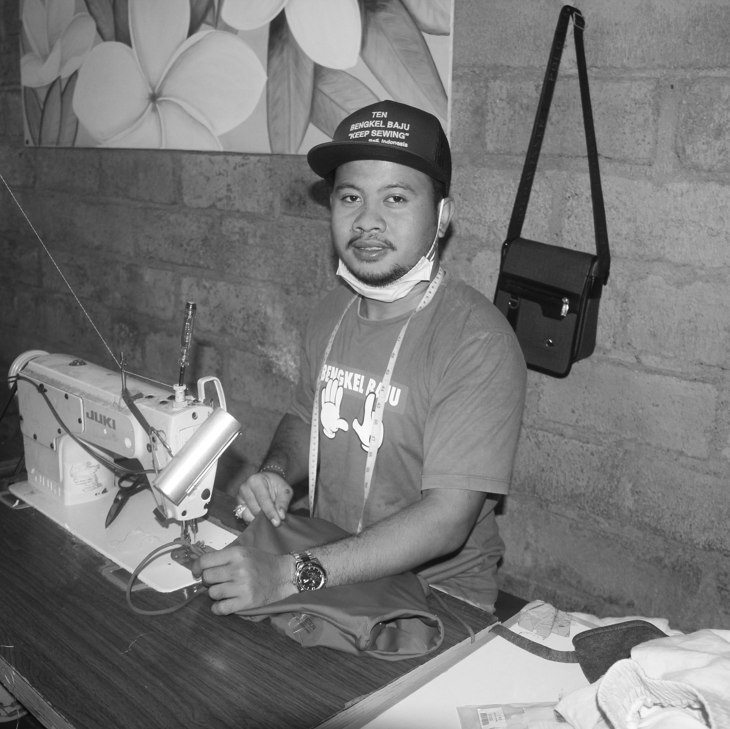 SAMPLE MAKER   Pak Putu, Bali.   Age 36. Sampling for Taje the last 4 years. Father of 2.