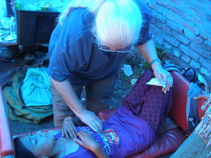 natan-nepal-medical-3.jpg